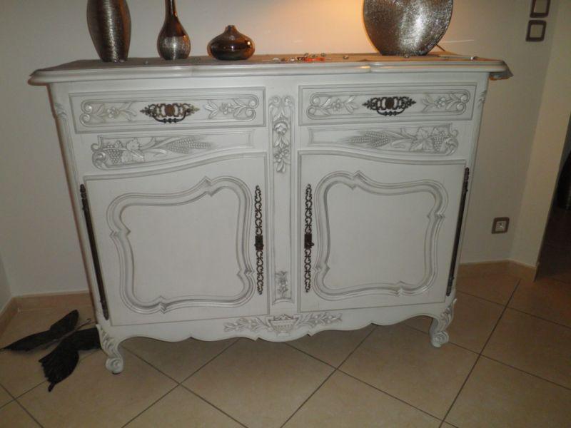 Bahut Ancien Style Provencal Renove Blanc Patine Gris A Robion Finition Patine Et Relooking De Meuble A Aix En Provence Les Finitions De Provence